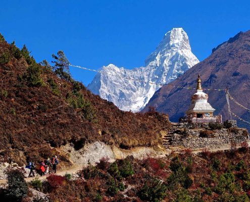 Tailor-made holidays to Asia. Trekking in Nepal Himalaya.
